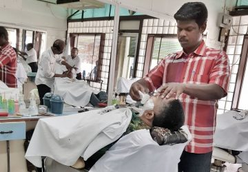 Customers' right to confirm their barbers Covid-19 negative