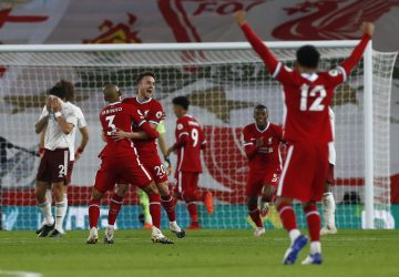 Champs Liverpool maintain perfect start with 3-1 win over Arsenal