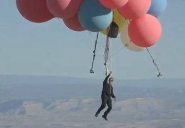 David Blaine pulls off high flying balloon 'Ascension' stunt