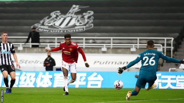 Late goal flurry gives Man United 4-1 win over Newcastle