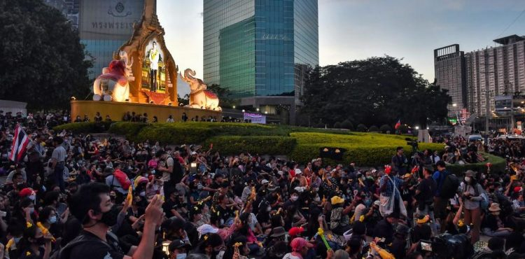 Thai protesters call on king to give up royal fortune