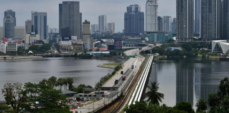 Singapore to tighten border measures with Malaysia