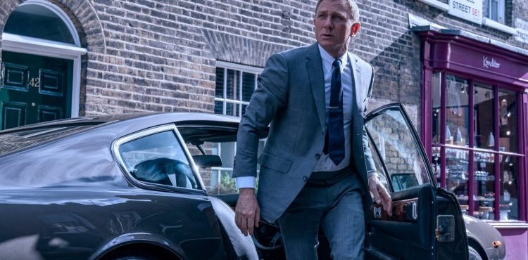 Theatres look to Bond and Black Widow to spark 2021 moviegoing