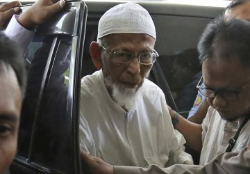 Indonesia frees cleric linked to Bali bombing