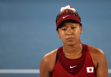 Osaka leaves press conference in tears