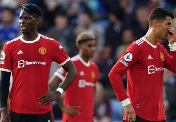 Man United are scrappy, scruffy to watch, says Neville